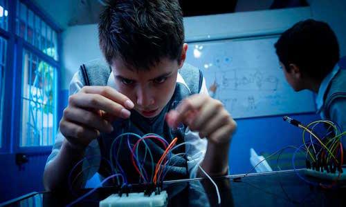 Crean estudiantes método que enseña robótica a niños con contenidos universitarios